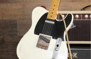 Fender-Acoustasonic-White-Guitar