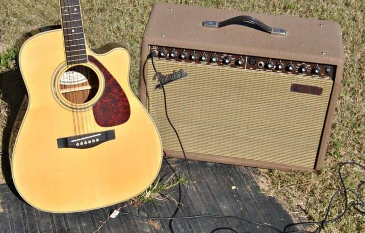 Fender-Acoustic-Guitar-Amplifier